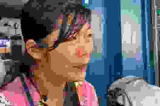 Người mẹ nghèo đôi dòng nước mắt nghẹn ngào cầu xin sự sống cho con
