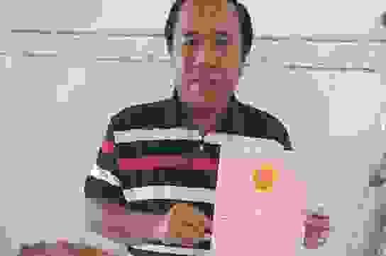 Bài 12: Chủ tịch tỉnh Kiên Giang lệnh chủ tịch huyện xem xét đền bù cho dân