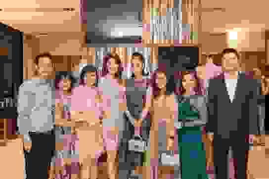 Hà Kiều Anh, Thu Hằng dự tiệc mừng show diễn của Hoàng Hải