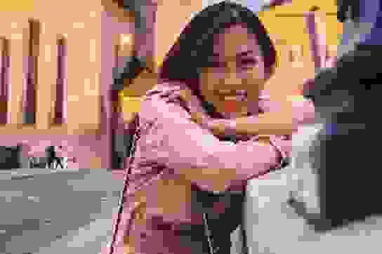 Cô gái 9x gây tiếng vang với triển lãm chiếu cói Việt trên đất Mỹ