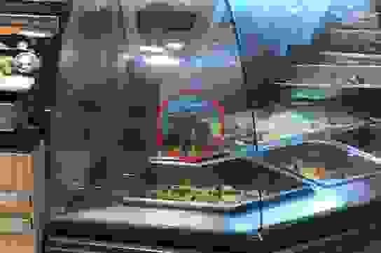 Có chuột bò trên quầy thức ăn, Aeon Việt Nam xin lỗi khách hàng