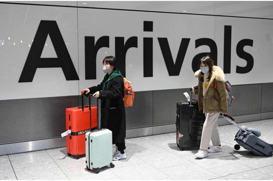 Du học sinh quốc tế - Nạn nhân của lừa đảo bán vé máy bay mùa dịch