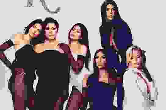 """Nhà Kardashian đổi cách kiếm tiền vì… """"thế giới đổi thay không ngừng"""""""