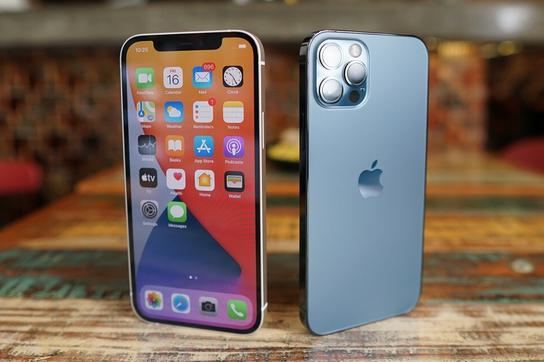 Cận cảnh iPhone 12 và 12 Pro: Thiết kế kết hợp giữa iPhone 11 và iPhone 5