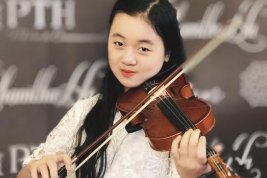 Dàn nhạc giao hưởng nhí đầu tiên của Việt Nam gây quỹ ủng hộ miền Trung