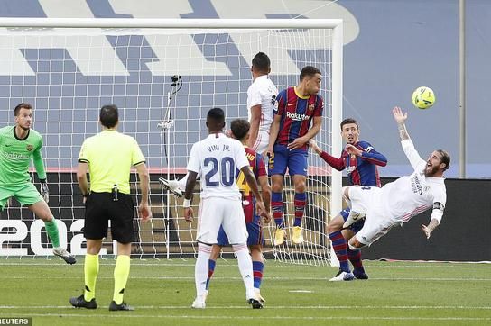 Những khoảnh khắc Real Madrid hạ gục Barcelona tại Nou Camp