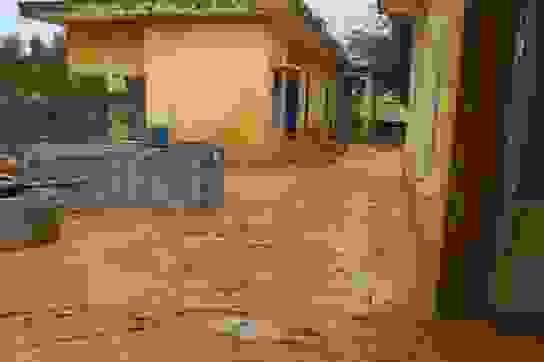 Quảng Trị: Trường ngập bùn nửa mét, học sinh chưa biết bao giờ trở lại lớp