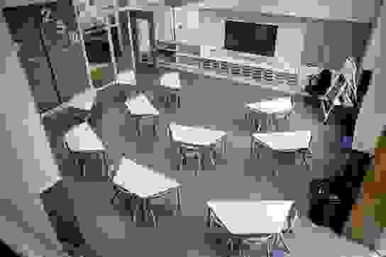 Anh: Học sinh nghèo chịu ảnh hưởng kép trong giáo dục vì đại dịch