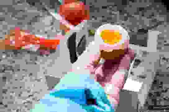 """Món trứng nguội luộc trong suối nước nóng """"kinh điển"""" của Nhật Bản"""