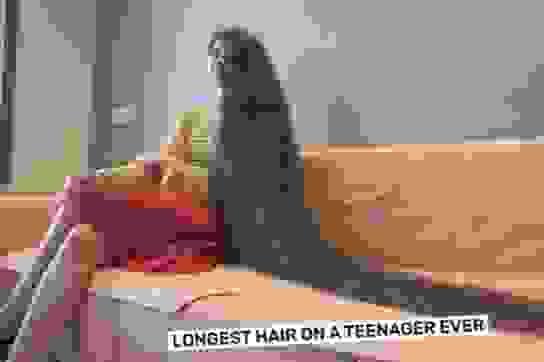 Thiếu nữ Ấn Độ phá kỷ lục Guinness cho mái tóc dài nhất thế giới