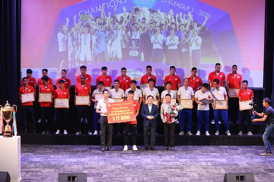 CLB Viettel được vinh danh, nhận thêm 6 tỷ đồng tiền thưởng