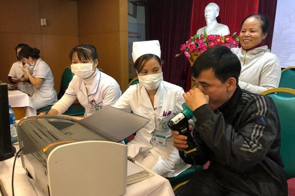 Rét lạnh, nhiều bệnh nhân phổi tắc nghẽn mãn tính nhập viện vì cơn kịch phát, phải thở máy