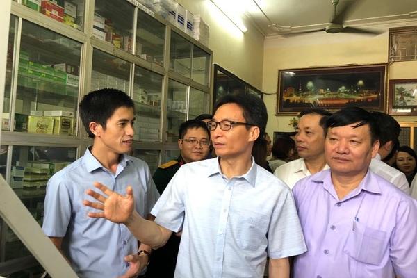"""Bộ trưởng Y tế: Việt Nam sẽ """"chia tay"""" hình ảnh mua thuốc dễ như mua rau"""
