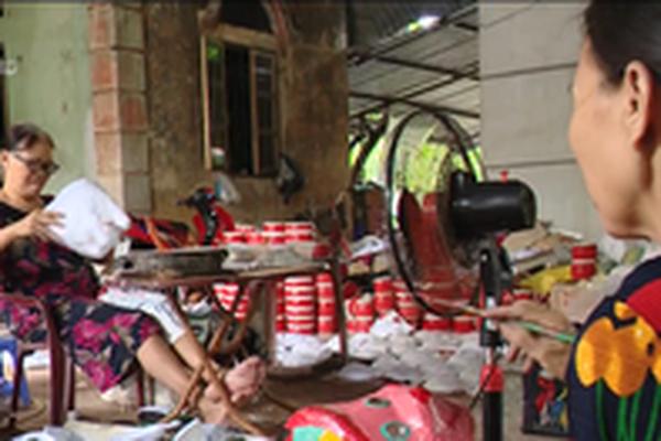 Làng Ông Hảo tất bật sản xuất đồ chơi Trung thu truyền thống