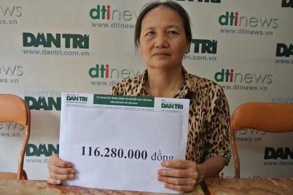 """Bạn đọc Dân trí giúp đỡ hơn 116 triệu đồng đến hoàn cảnh mẹ ung thư chăm con tai nạn """"thập tử nhất sinh"""""""