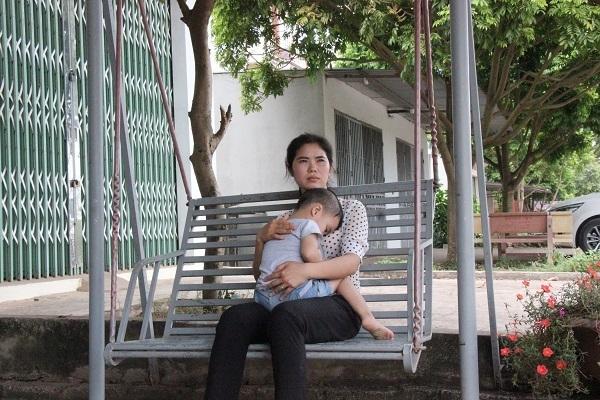 Hành trình đi tìm nụ cười của người mẹ trẻ có con bị ung thư