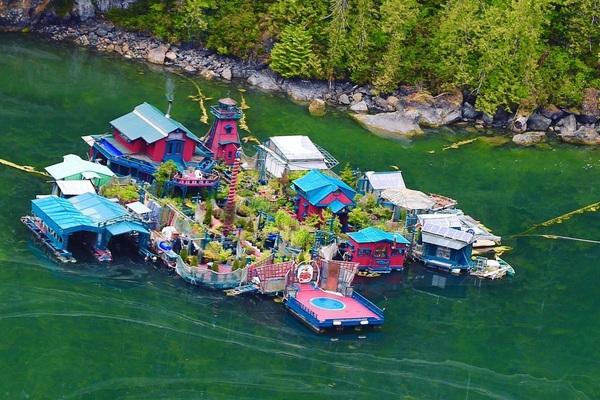 """Cặp vợ chồng 27 năm sống trên sông, tự xây dựng """"ốc đảo nổi"""" đẹp như cổ tích  Tổ chức không gian phố đi bộ khu vực hồ Hoàn Kiếm và phụ cận từ ngày 1/1/2020 tai lieu khong co tieu de 11 docx 1577693638235"""