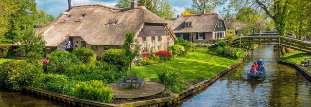 Ngôi làng cổ tích đẹp nhất thế giới, 700 năm chỉ đi lại bằng thuyền