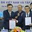 HLV Park Hang Seo và  Quang Hải và tuyển Việt Nam nhận tin vui từ nhà tài trợ