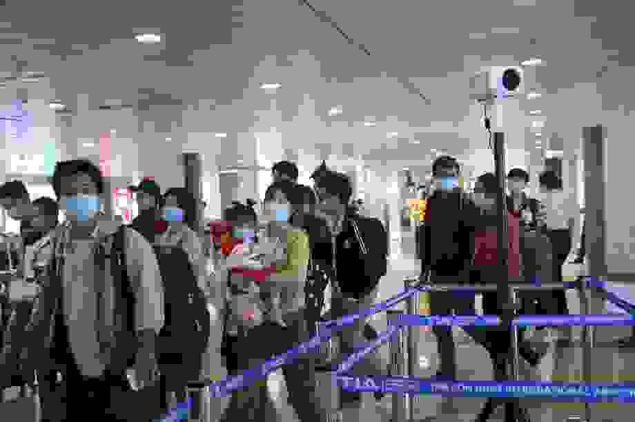 TPHCM: Phạt hơn 160 triệu đồng 841 người không đeo khẩu trang