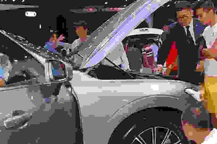 Dính họa Covid-19, doanh số bán xe trong tháng tư suy giảm thảm hại