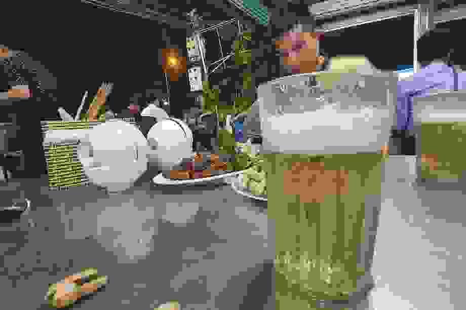 Bán hết 500 lít bia, khách gọi nửa tiếng không thấy đồ ăn vì quá đông
