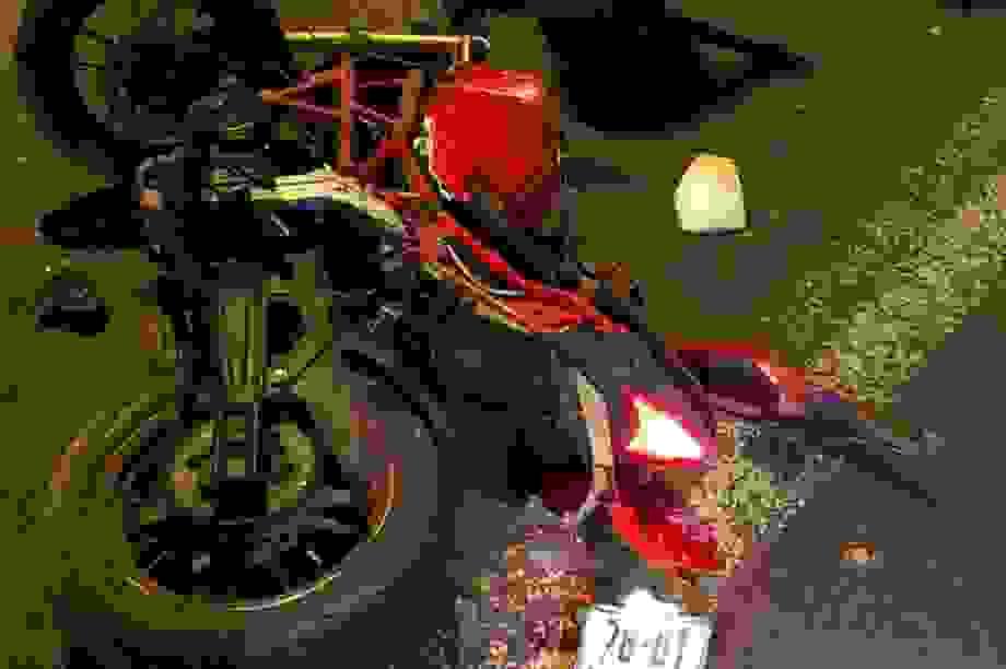 2 thanh niên tông xe trúng người phụ nữ đi bộ, 2 người tử vong