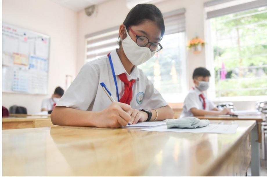Bộ Giáo dục: Bỏ giãn cách, không bắt buộc đeo khẩu trang trong lớp học