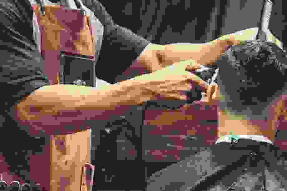 Lao động tự do làm cắt tóc, phòng gym có được hỗ trợ từ gói 62.000 tỷ đồng?