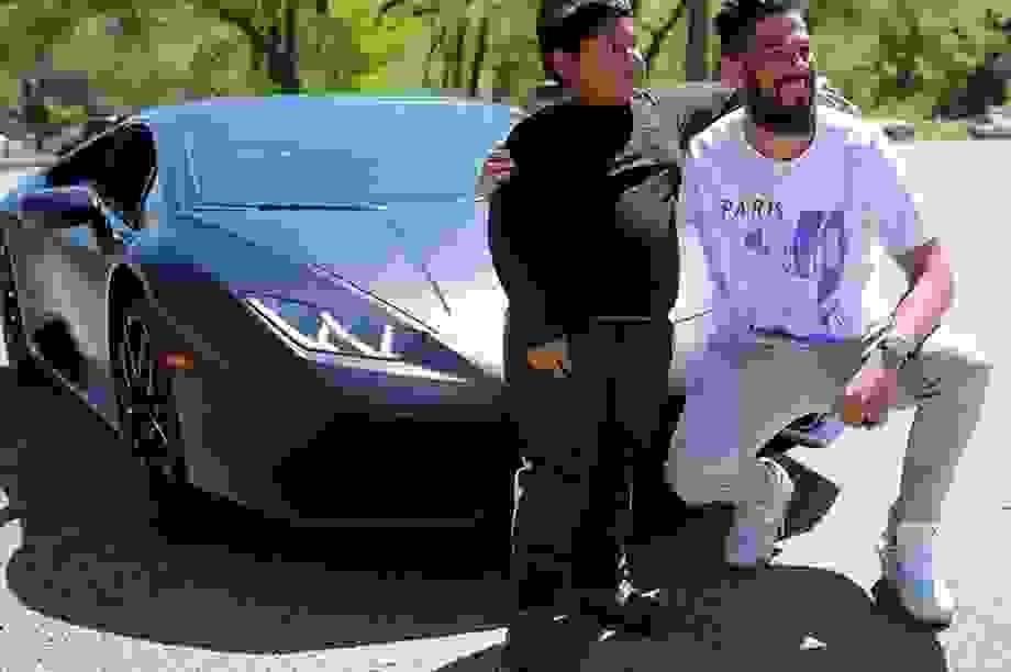 Đoạn kết bất ngờ cho cậu bé 5 tuổi tự lái ô tô đi mua xe Lamborghini