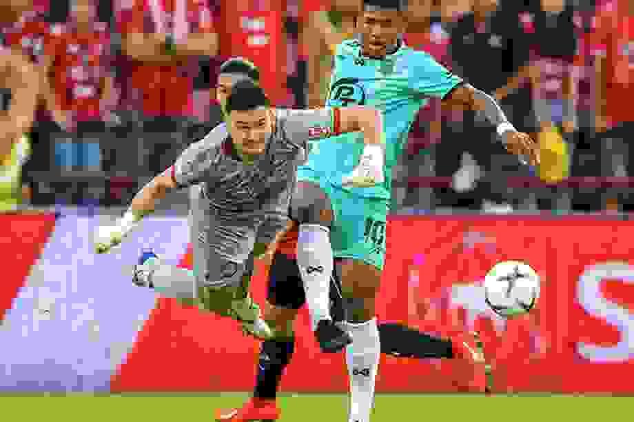 Văn Lâm nhận tin vui từ Muangthong United