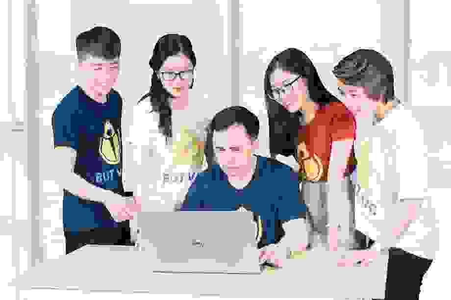 """""""Hành trang vào lớp 1.Vn"""" - Khóa học online dành cho học sinh Tiền Tiểu học"""