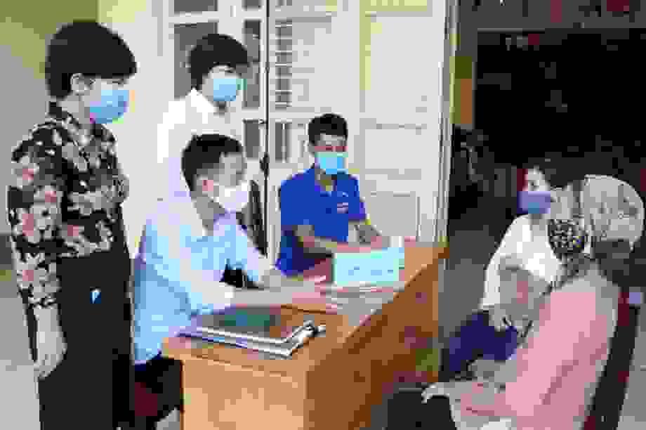 Quảng Ninh: Hơn 11.000 người gặp khó do dịch Covid-19 bắt đầu nhận hỗ trợ