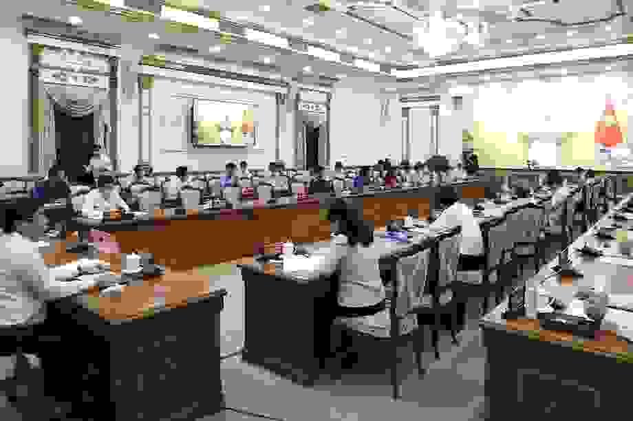 Thủ tướng nhắc TPHCM sớm hỗ trợ người nghèo bị ảnh hưởng bởi Covid-19