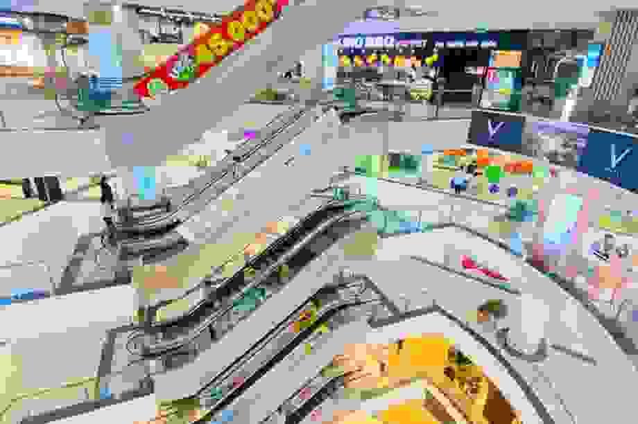 Trung tâm thương mại ở Hà Nội vẫn đìu hiu sau giãn cách xã hội