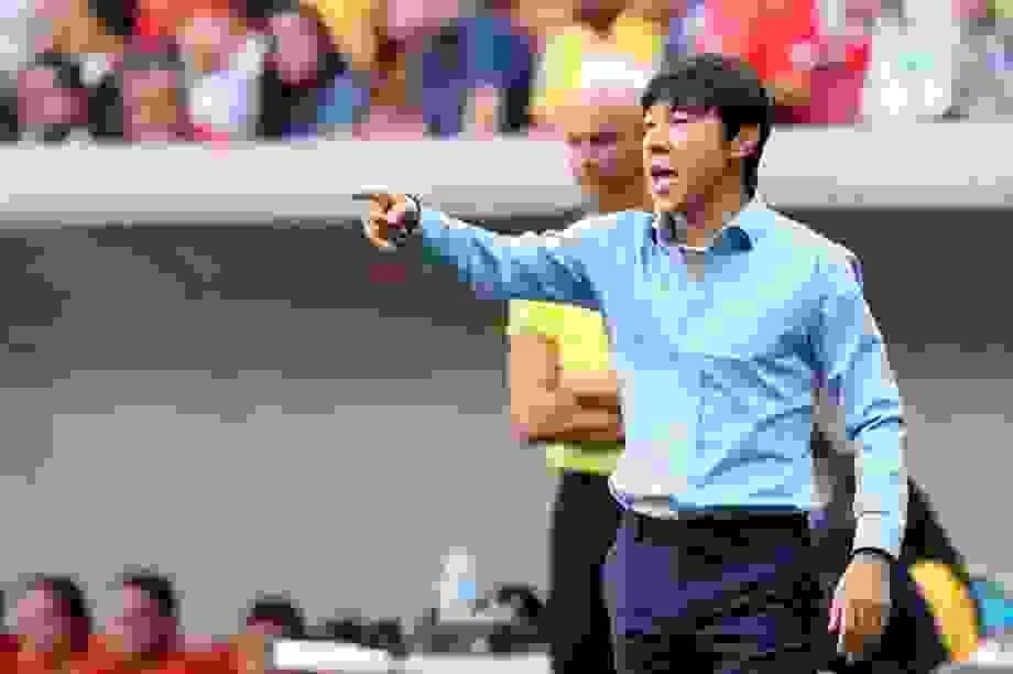 Bóng đá Indonesia bị tố nợ lương HLV người Hàn Quốc và trợ lý