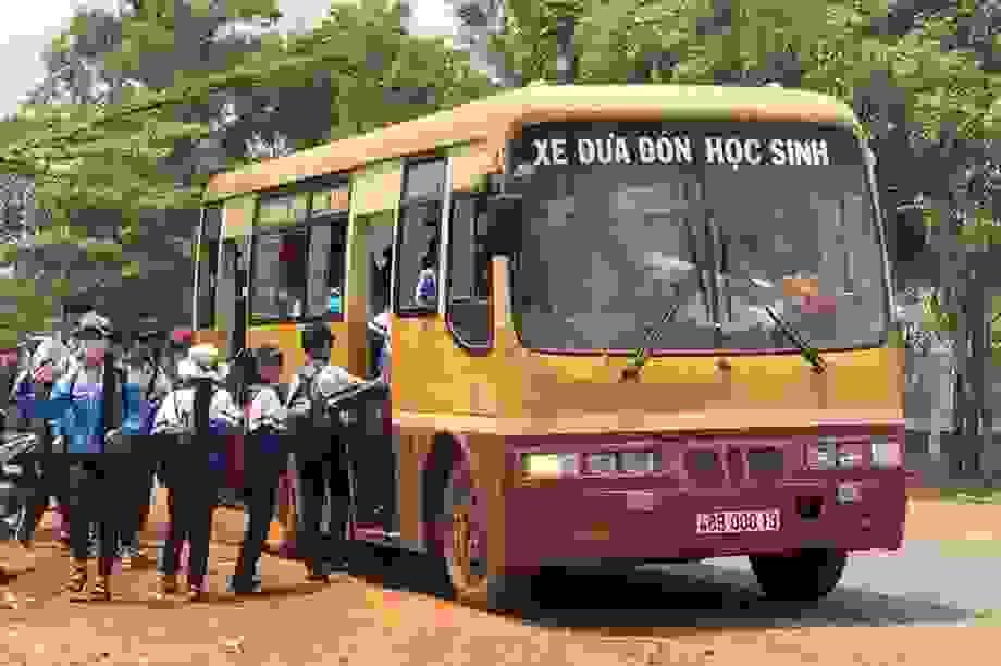 Đề nghị đưa dịch vụ xe ô tô đưa đón học sinh vào Luật Giao thông