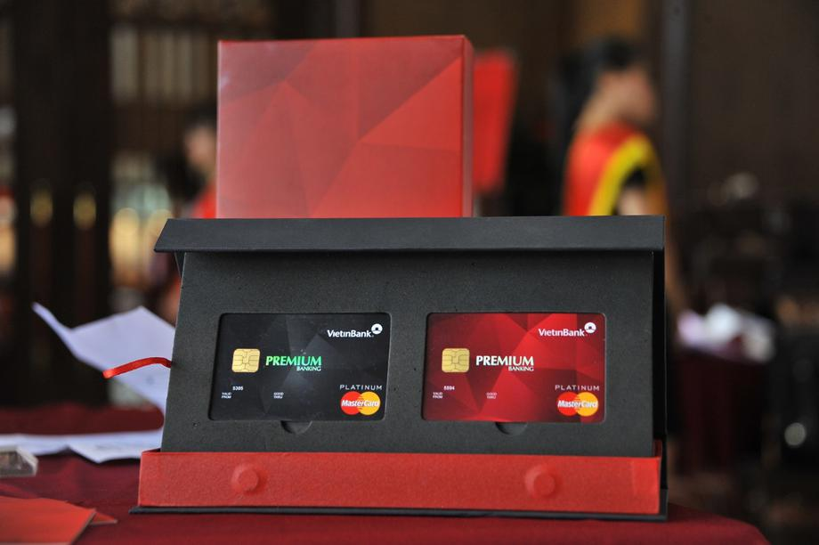 Visa, Master nên giảm phí thẻ quốc tế cho thị trường Việt Nam