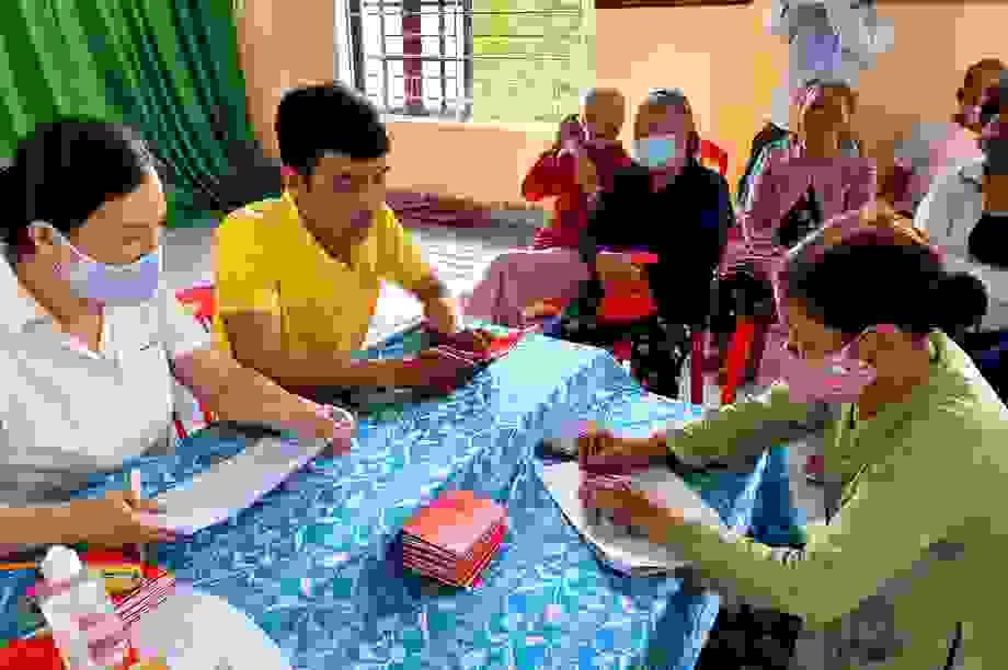 """Thứ trưởng Lê Văn Thanh: """"Lao động mất việc tháng nào nhận hỗ trợ tháng đó"""""""