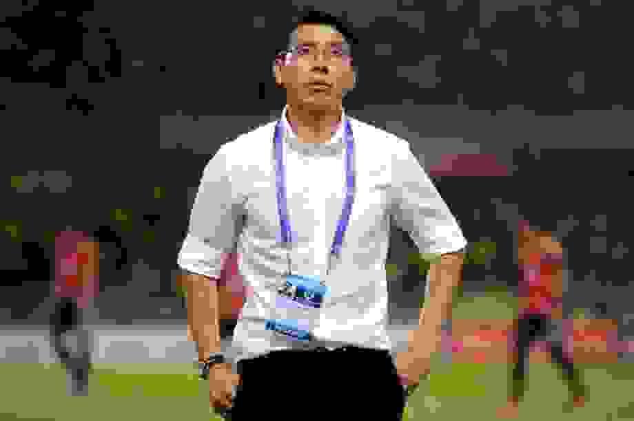 HLV Malaysia lo lắng khi bóng đá Việt Nam sắp trở lại