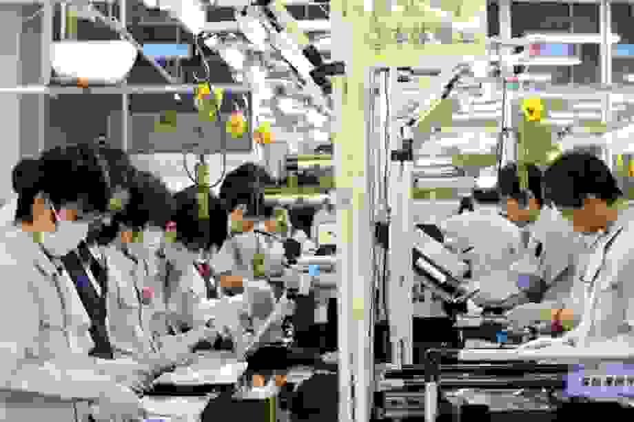 Hứng đợt dịch thứ 2, Trung Quốc mất hy vọng tăng trưởng kinh tế năm nay
