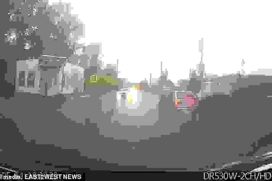 Cậu bé 10 tuổi lái ô tô với tốc độ 160 km/h chở em gái đi chơi