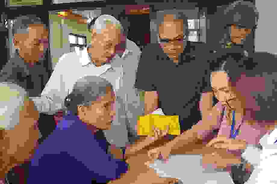 Quảng Trị: Gần 300 người dân đầu tiên nhận tiền từ gói 62.000 tỷ đồng