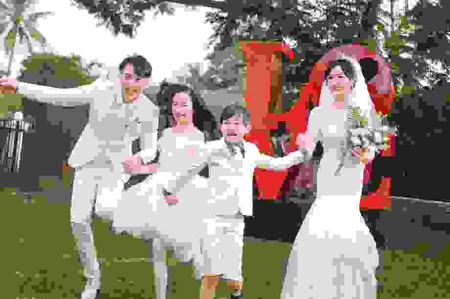 """""""Nam thần xứ Đài"""" chụp ảnh cưới sau hơn 11 năm bí mật kết hôn"""