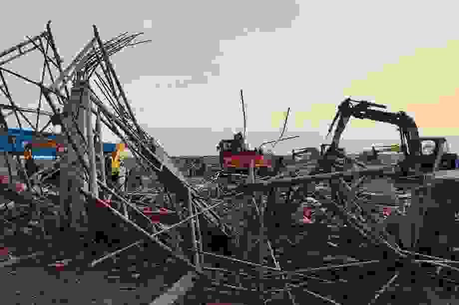 Danh tính 10 nạn nhân tử vong trong vụ sập tường công trình