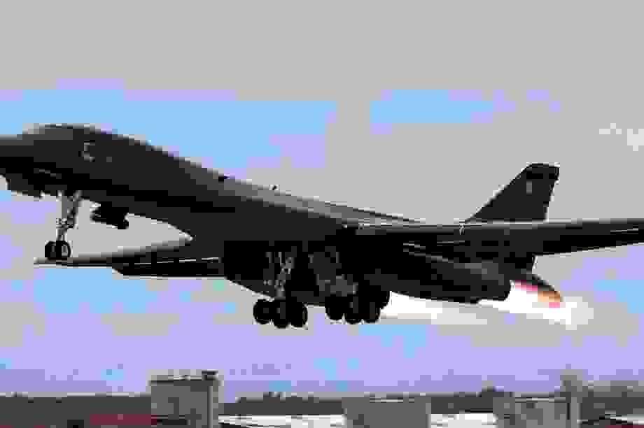 Mỹ tăng sức ép quân sự với Trung Quốc
