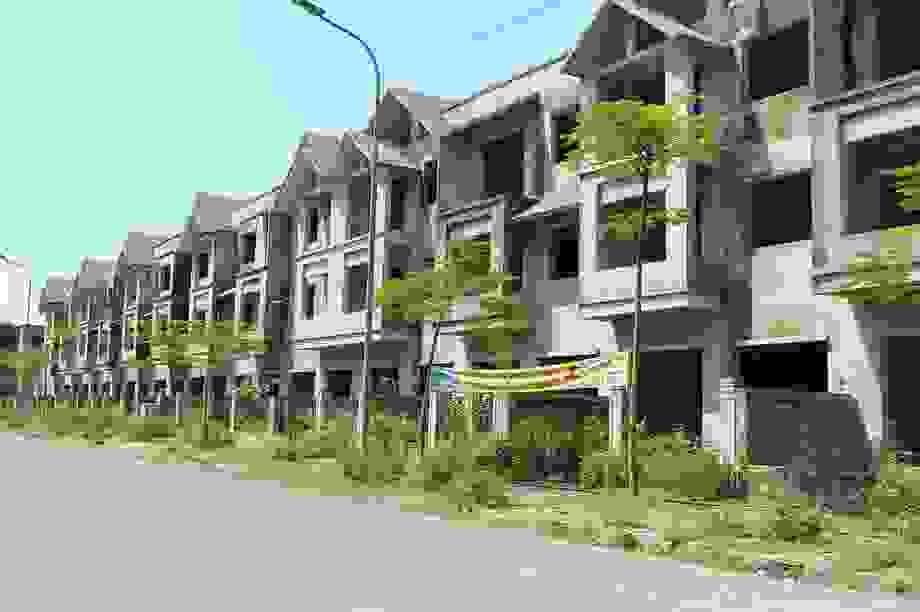 Hà Tĩnh: Hàng chục căn biệt thự hạng sang bỏ hoang giữa lòng thành phố