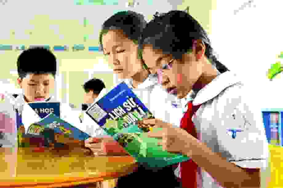 """""""Ngân sách định dùng để làm sách giáo khoa có thể đầu tư cho GD miền núi"""""""