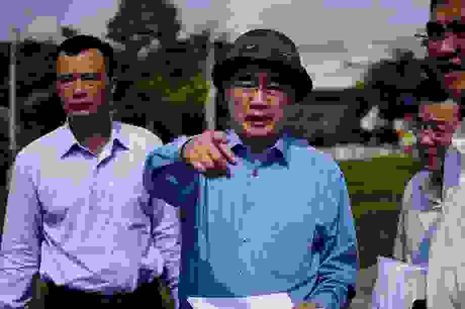 Bí thư Nguyễn Thiện Nhân thị sát thực trạng xây dựng ở Bình Chánh