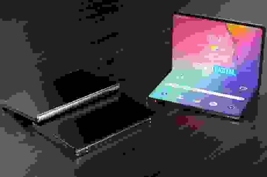 Samsung và Huawei sẽ ra mắt smartphone màn hình gập giá rẻ